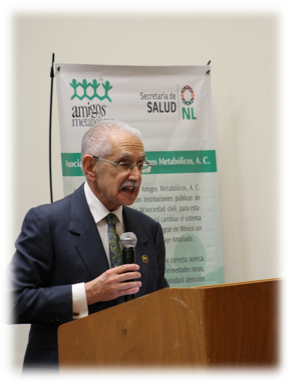 03-conferencia-magistral-dr-antonio-velazquez-arellano-img_4808