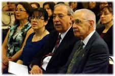 Xochitl Mendoza Presidente de Amigos Metabólicos, con el Secretario de Salud de Nuevo León, el Dr. Jesús Zacarías Villarreal Pérez; acompañados del nuestro querido Dr. Antonio Velázquez Arellano.